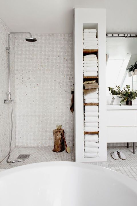 Simple tiny white and silver shower tiles