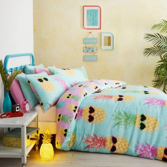 Beautiful pineapple bedding