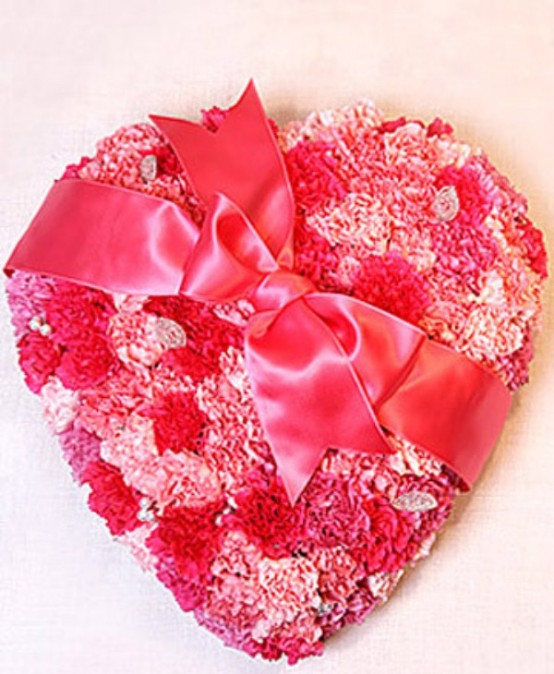 25 Flower Decoration Ideas For Valentine\'s Day - DigsDigs