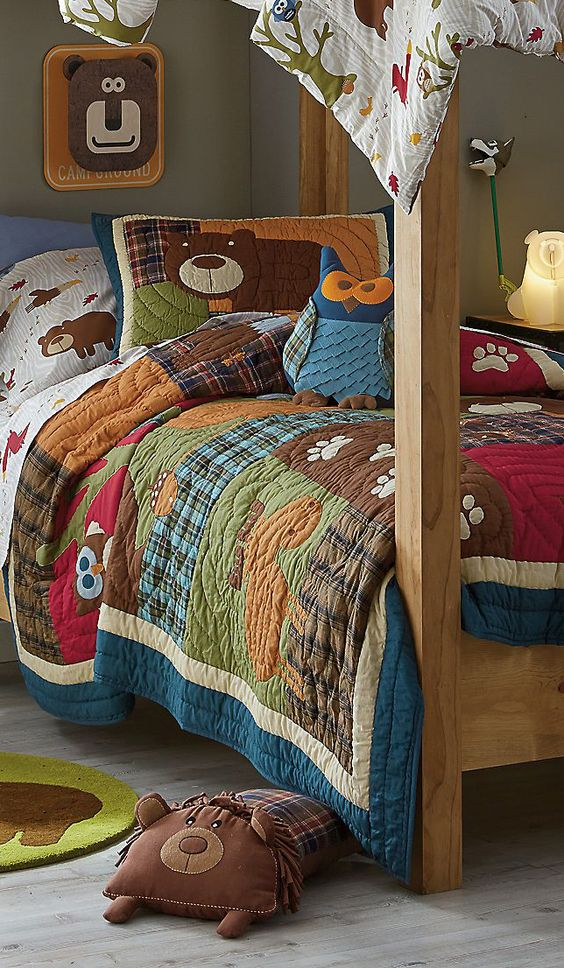 31 Fun Bedding Ideas For Bold Boys Room Designs Digsdigs
