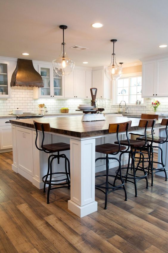 Kitchen Island With An Eating Countertop