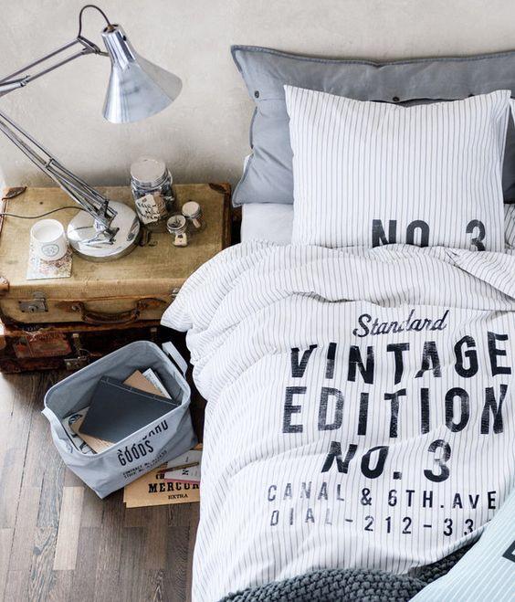 Stunning vintage print bedding