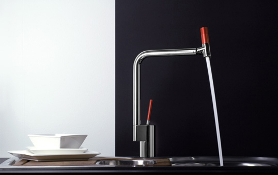 360 Degree Kitchen Faucet In Chrome With Contrasting Spout and Lever