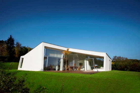 Modern House In Austria With Natural Surroundings Included In The Rooms