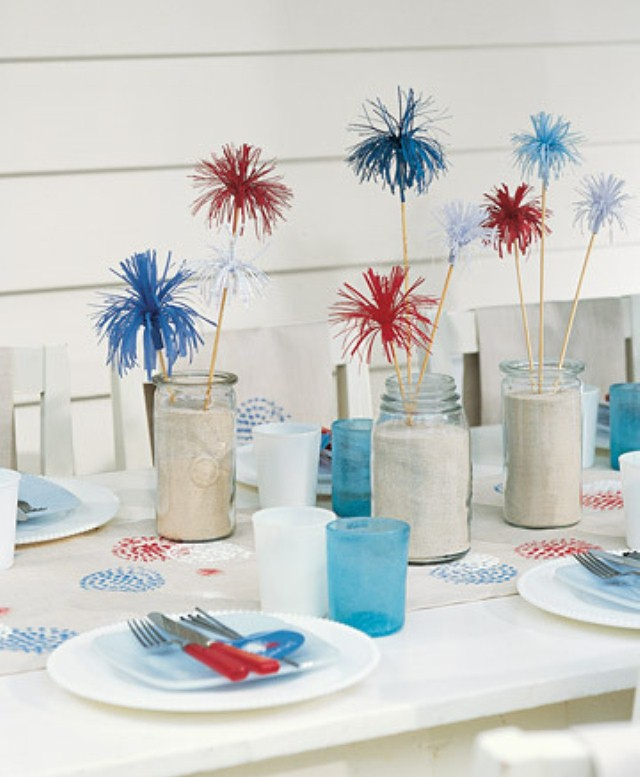 13 cool ideas of 4th of july table decorations digsdigs for 4th of july decorating ideas for outside