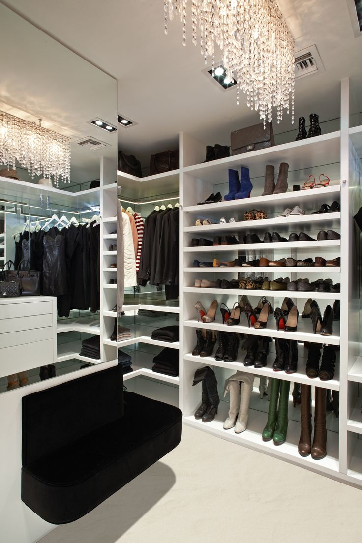 5 practical lighting ideas for your closet digsdigs for Designs for walk in closets