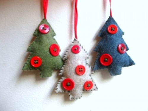 felt tree-shaped Christmas ornaments with red buttons are lovely for tree decor and can be given as simple and pretty gifts