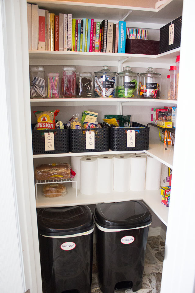 9 steps in organizing kitchen cabinets 9 useful tips to organize your pantry digsdigs 10390
