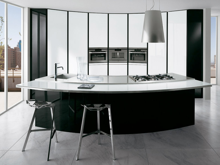 Black and white kitchen with curved island elektravetro white by