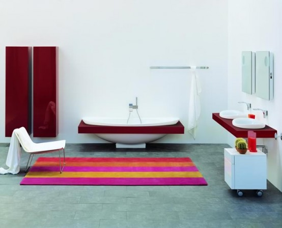 Ceramic Bathtub With Colorful Shelf IO By Flaminia