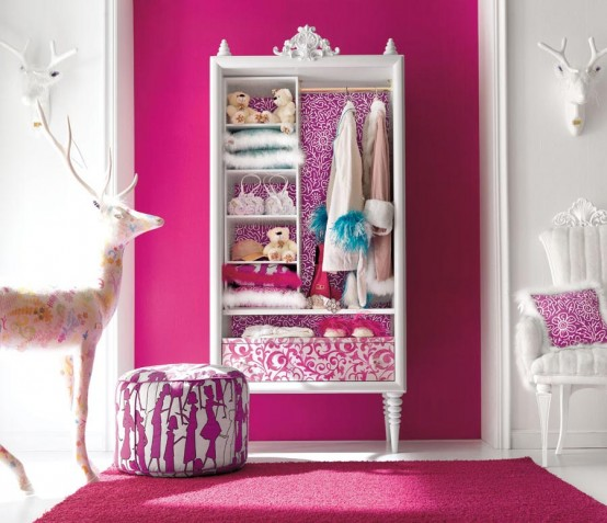 http://www.digsdigs.com/photos/Charming-and-opulent-Pink-girls-room-Altamoda-Girl-2-554x477.jpg