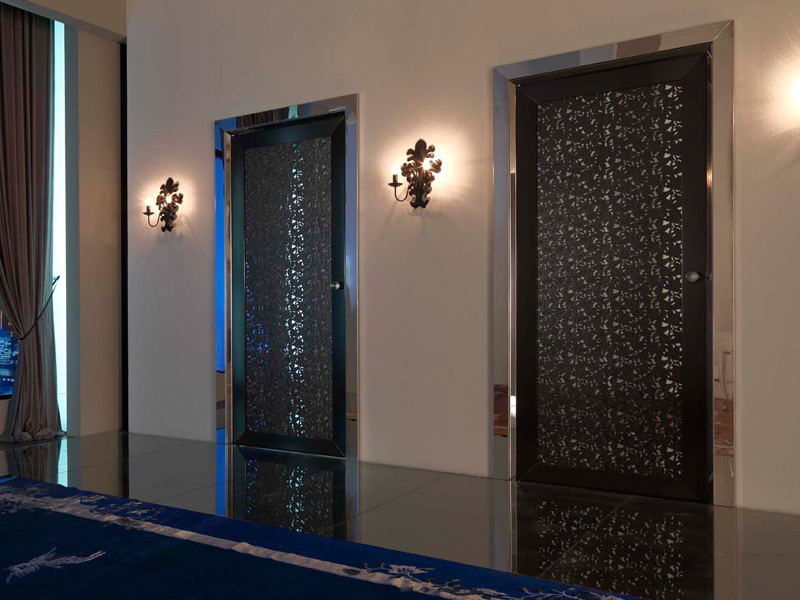 Contemporary interior doors exit by texarredo digsdigs for Unique interior door ideas