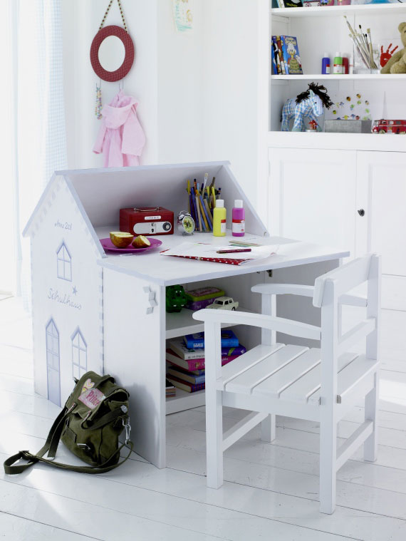 20 Cool Kids Desks For Painting And Writing DigsDigs
