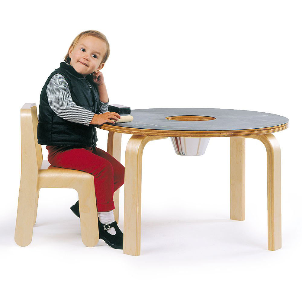 20 cool kids desks for painting and writing digsdigs for Kids sitting furniture