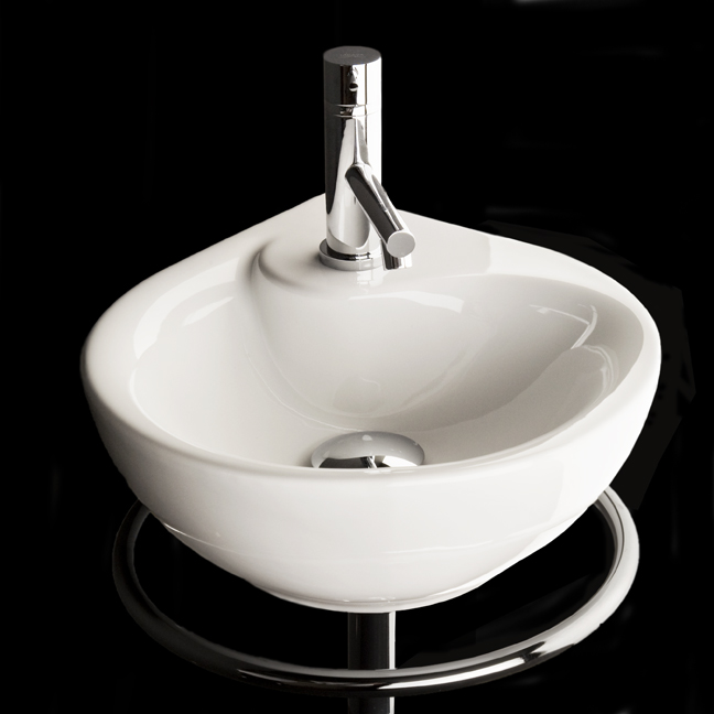 Corner sink for small bathroom piccolo by lacava digsdigs for Tiny bathroom sink