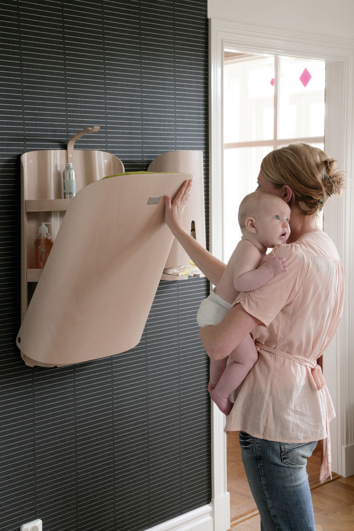 Ergonomic baby changing tables by bybo digsdigs - Avitaciones de ninas ...