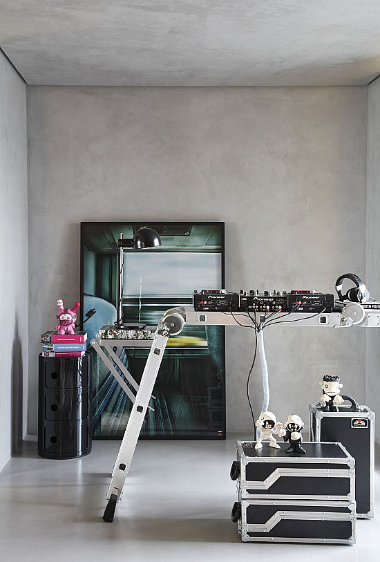 FJ House By Studio Guilherme Torres