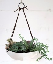 Faceted Hanging Tray Pot