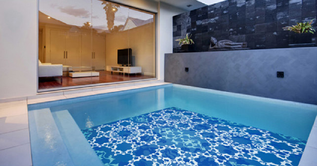Fascinating swimming pool design with mosaic glass tiles for Pool decor design