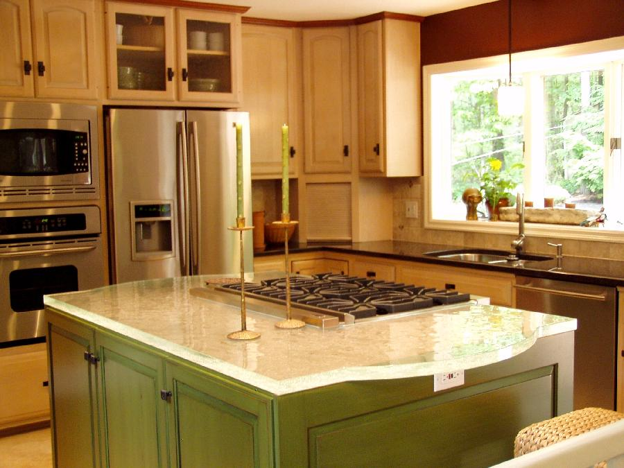 Glass tops for cool and unusual kitchen designs from for Style kitchen countertops