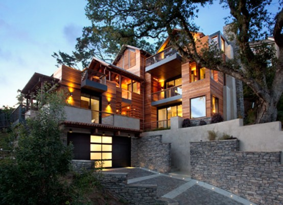 Amazing LEED Home With a Very Vertical Design – HouseHillside House