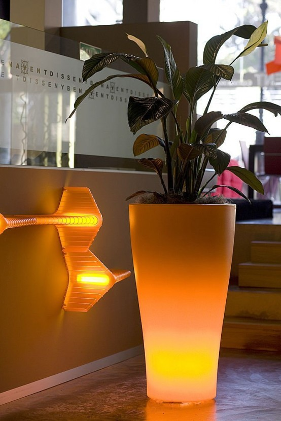 Outdoor Garden Pots with Built-In Lighting – Llum By Vondom