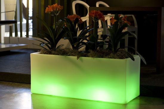 Outdoor Garden Pots With Built In Lighting Llum By Vondom Digsdigs