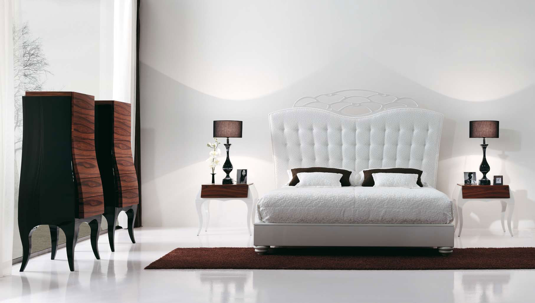 Luxury bedroom with beautiful white bed by mobilfresno for Bedroom inspiration