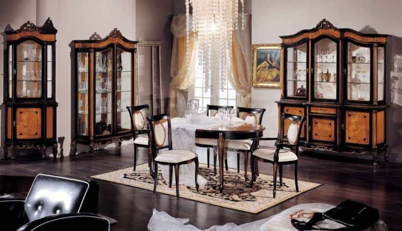 Luxury classic dining room furniture by modenese gastone for Luxury dining room furniture