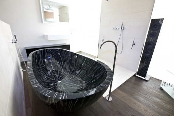 Modern Freestanding Wood Bathtub – Ocean Sailor by Sasso
