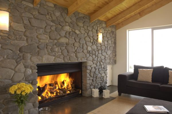 Modern and traditional fireplaces by warmington fires for Hogares a gas modernos