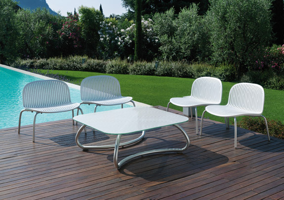 Modern White Outdoor Tables And Chairs Loto & Ninfea From Nardi