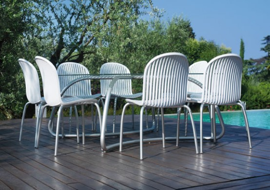 Modern White Outdoor Tables And Chairs Loto Ninfea From Nardi DigsDigs