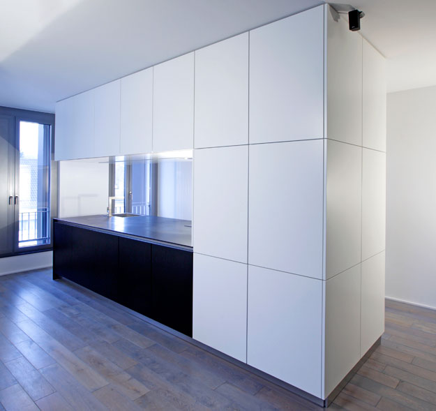 New Modern Black And White Kitchen Designs From KitcheConcept