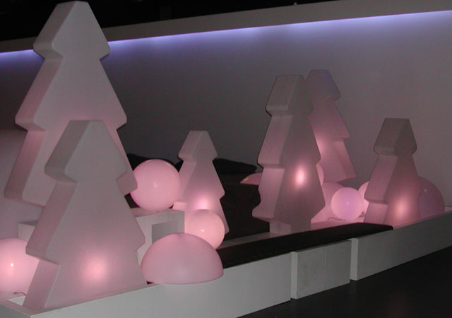 Nice Christmas Decoration – Lightree by Slide Design | DigsDigs