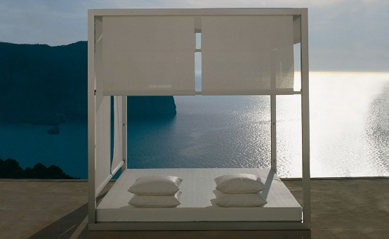 Outdoor White Daybed By Gandia Blasco 2 554x