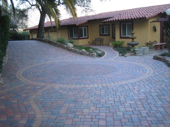 15 paving stone driveway design ideas digsdigs Home driveway design ideas