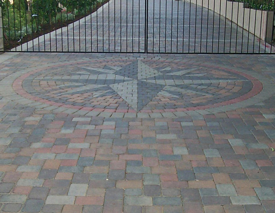 15 paving stone driveway design ideas digsdigs for Paving stone garden designs