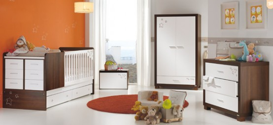 Nursery-room-with-white-drapery-carpet-and-brown-wardrobe