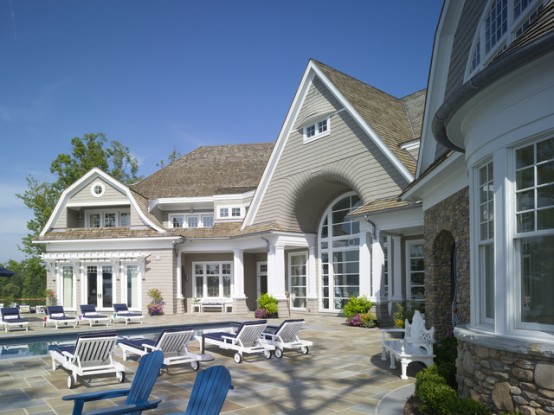 Shingle Style Family Vacantion Retreat House