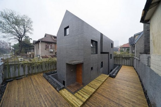 Minimalist House with Concrete Frame – Slit House