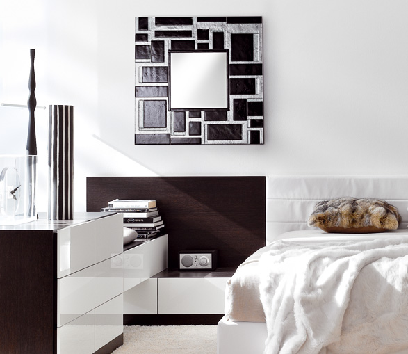 Wall mirrors with beautiful finishes art deco by stocco for Decorative bedroom mirrors