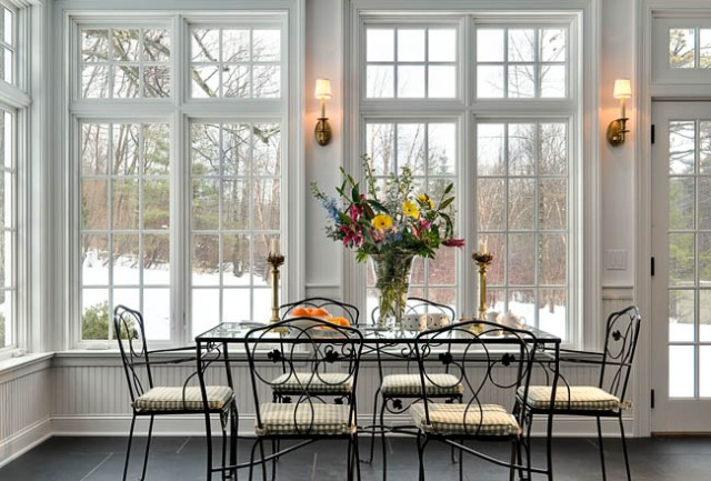 55 awesome sunroom design ideas digsdigs for Dining room windows