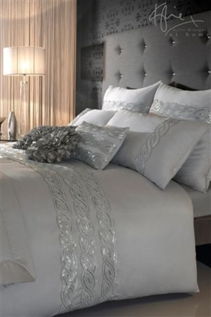 Adding glam touches 31 sequin home decor ideas digsdigs Elegant master bedroom bedding
