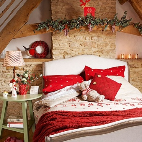 Bedroom Decorating Ideas For Christmas: 32 Adorable Christmas Bedroom Décor Ideas   DigsDigs,