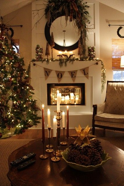 30 adorable indoor rustic christmas d cor ideas digsdigs for How to decorate apartment door for christmas