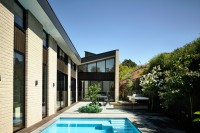 adorable-modern-house-with-a-central-courtyard-1