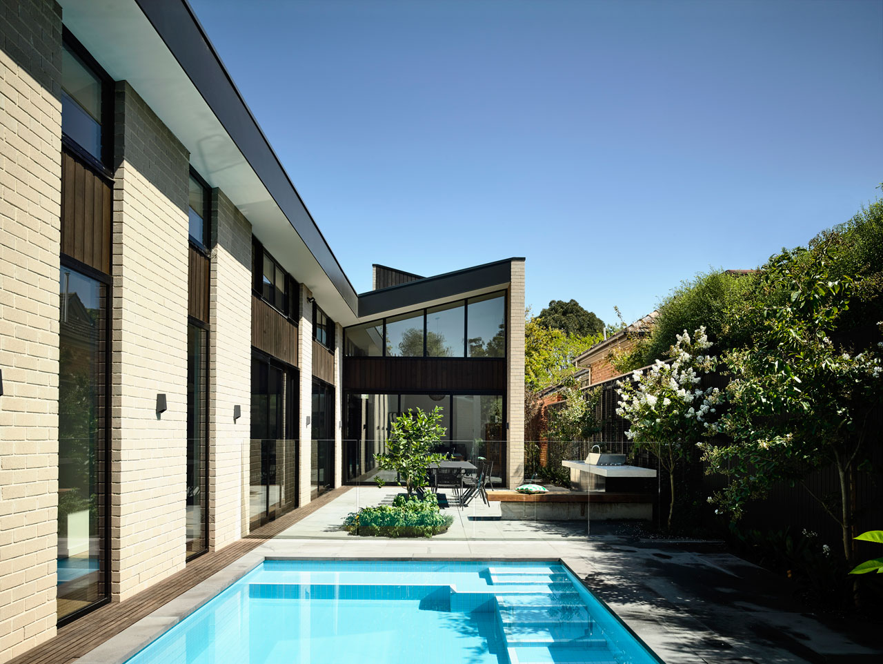 Picture Of adorable modern house with a central courtyard  1