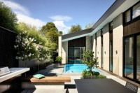adorable-modern-house-with-a-central-courtyard-2