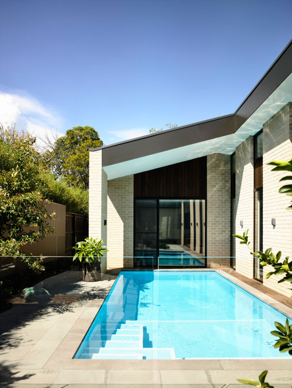 Adorable Modern House With A Central Courtyard